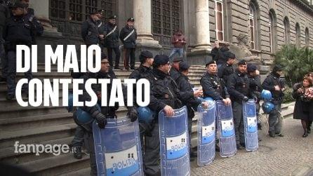 """Di Maio contestato a Napoli diserta il convegno: """"È alleato della Lega, non può parlare di legalità"""""""
