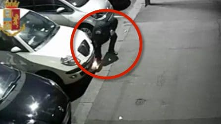 Titolare d'azienda incendia l'auto a un suo ex dipendente: le immagini lo incastrano