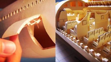 Costruisce un aereo di linea con la carta in ogni dettaglio: il talento di Luca-Iaconi Stewart