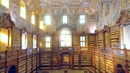 La biblioteca dei Girolamini a Napoli: la storia di un tesoro d'Italia da visitare