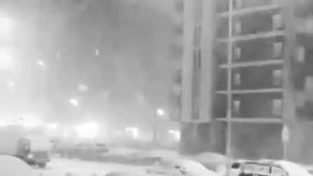 """La città è completamente sommersa dalla neve: uno scenario """"inquietante"""""""