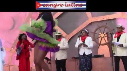 Da Milano a Venezia i Sangre Latino i ballerini del Carnevale Cubano Tropicana Conga Son Rumba