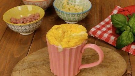 Frittata in tazza al microonde: come prepararla in soli 3 minuti!