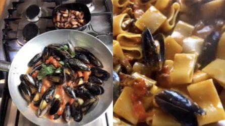 Calamarata con cozze e pecorino: il piatto cremoso da cui non ti separarai