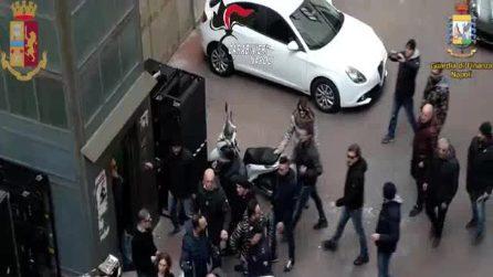 Camorra, catturato Marco Di Lauro: le immagini dell'arrivo in Questura