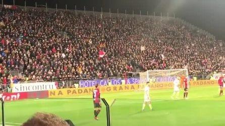 """""""Sei tu l'esempio Davide Astori"""", il bellissimo coro dei tifosi del Cagliari"""