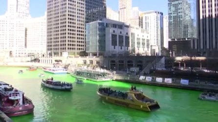 Il fiume si tinge completamente di verde: è il Saint Patrick's Day