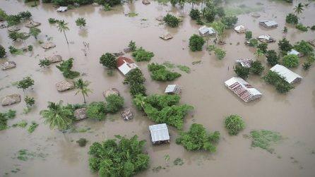 Il ciclone devasta tutto: oltre 100 morti