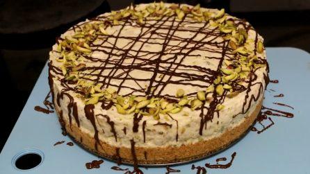 Cheesecake al pistacchio senza cottura: un dessert da leccarsi i baffi