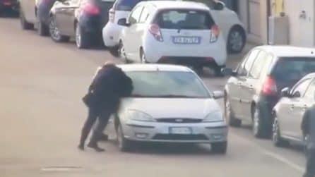 Marcianise, tenta di fermare due ladri: rischia di essere travolto