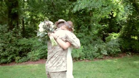 Il soldato che torna dalla missione e fa una sorpresa alla sorella il giorno del suo matrimonio