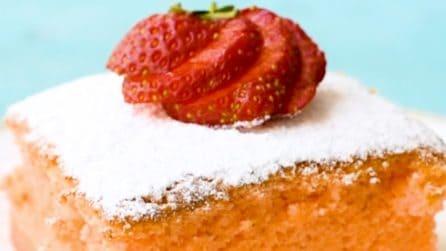 Torta magica alle fragole: soffice, fresca e dal gusto delicato!