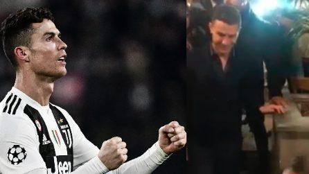 Dopo la tripletta Cristiano Ronaldo filmato al ristorante: la grande ovazione per il portoghese