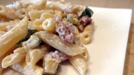 Penne salsiccia, zucchine e panna: pochi ingredienti per un risultato unico e gustoso