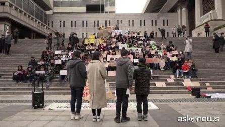 Clima, flashmob e slogan contro l'inquinamento a Seul