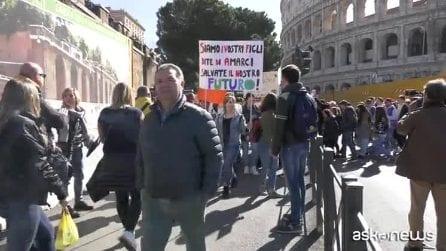 """Clima, """"FridaysForFuture"""": il popolo dei ragazzi a Roma"""