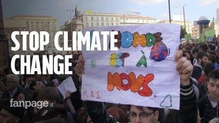 Giornata Mondiale del clima, 15mila giovani in corteo a Napoli. Tensione per l'arrivo di Salvini
