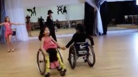 La loro disabilità non sarà mai un limite: ballano sulla sedia a rotelle
