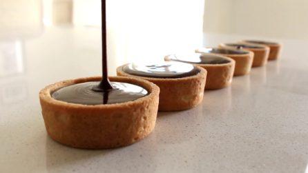 Tortini di pasta frolla con un ripieno irresistibile: mini dessert golosi