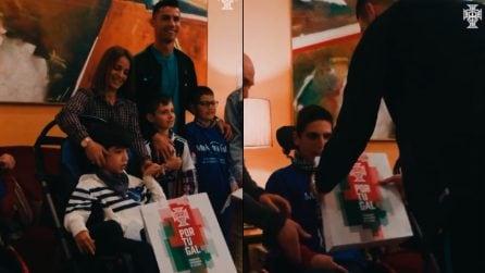 Regali e sorrisi ai bambini poco fortunati: il gran cuore di Cristiano Ronaldo