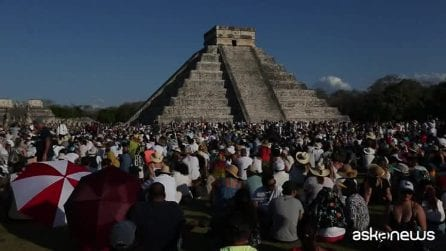 Messico, la magia dell'equinozio di primavera tra le rovine Maya