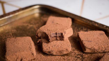 Pavè al cioccolato: dolcetti super golosi pronti in pochi minuti!