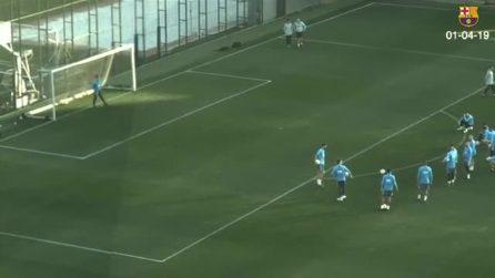La punizione perfetta di Boateng durante l'allenamento con il Barcellona