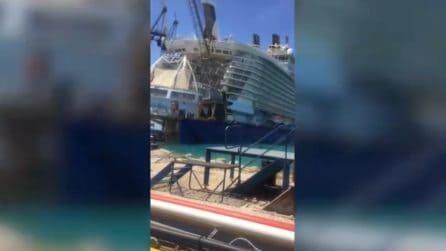 Gru cade sulla nave da crociera del valore di un miliardo di euro