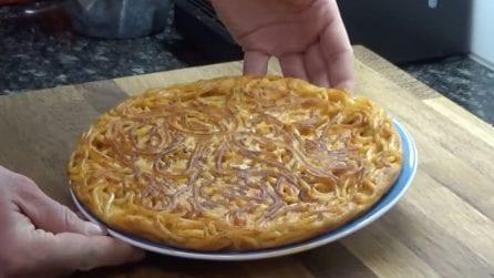 Frittata di maccheroni: l'idea appetitosa per utilizzare la pasta avanzata