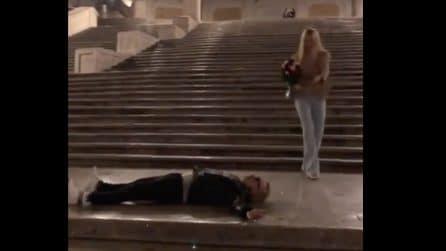 Balletto in strada per Michelle Hunziker e Gianluca Vacchi che alla fine finisce a terra
