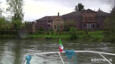 """Houseboat, viaggiare """"slow"""" tra le isole della laguna veneta"""