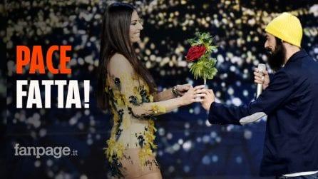 """Gino Fastidio chiede scusa a Elisabetta Gregoraci sul palco di Made in Sud, lei: """"Devi volerti bene"""""""