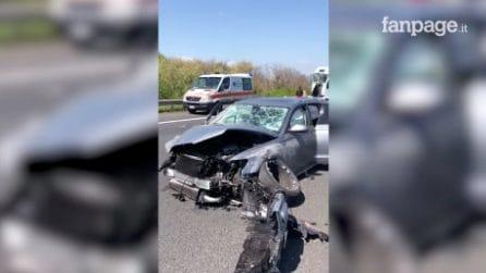 Incidente sull'Autostrada A1 a Zagarolo, si ribalta pulmino con a bordo bambini: 6 feriti