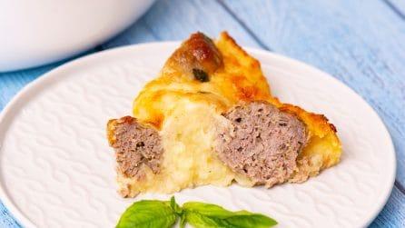 Torta di patate e polpette: un'idea piena di gusto e davvero sorprendente!
