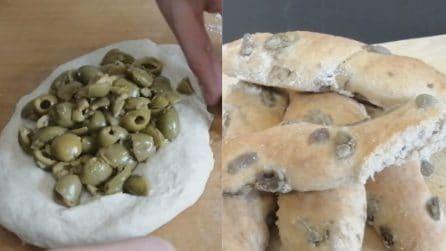 Pane alle olive: servitelo a tavola insieme all'antipasto, sarà perfetto