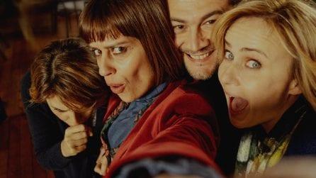 """""""Ci facciamo un selfie?"""": la clip di 'Ma cosa ci dice il cervello' con Paola Cortellesi"""