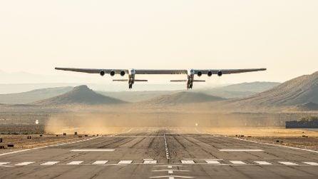 Il primo storico volo dell'aereo più grande al mondo