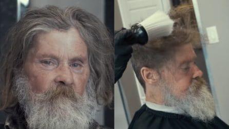 Ha perso il lavoro dopo un incidente: il barbiere gli regala un sogno