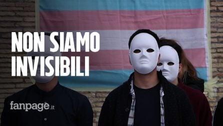 """Roma, flash mob contro la carenza di farmaci per le persone trans: """"Con le nostre vite non si gioca"""""""