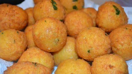 Polpette di pane, uova e formaggio: ingredienti semplici per un gusto unico