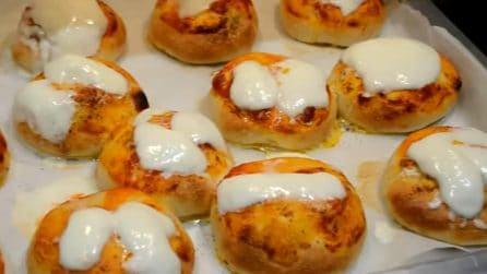 Pizzette tonde fatte in casa: morbide, semplici e gustosissime