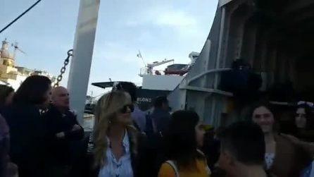 Napoli, vergogna traghetti: ressa e ritardi alla vigilia di Pasqua