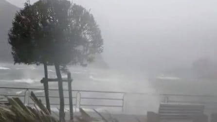 Tempesta sul Lago d'Iseo: il vento fortissimo e spaventoso