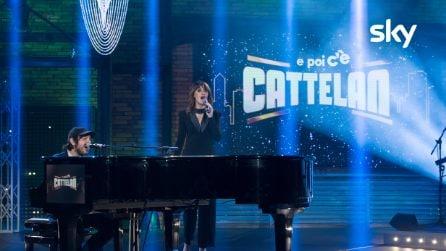 """Paola Cortellesi e Calcutta cantano """"Cacao Meravigliao"""" a 'E poi c'è Cattelan'"""