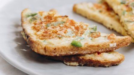 Toast all'uovo: un'idea geniale per riciclare il pane vecchio!