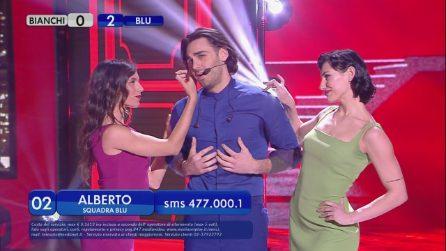 Amici 2019, Alberto Urso canta 'I've got you under my skin'