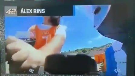 MotoGP, commissario di Jerez ruba la polsiera della moto di Rins