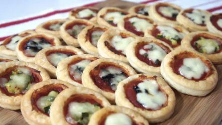 Pizzette di pasta sfoglia: ideali per feste o aperitivi con gli amici