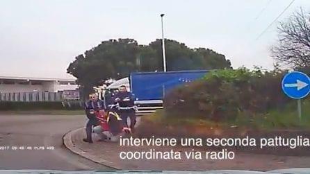 Peschiera Borromeo: folle inseguimento tra polizia e ladro in fuga che si schianta contro un camion