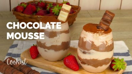 Super easy 4 ingredients chocolate mousse ready in 20 minutes!